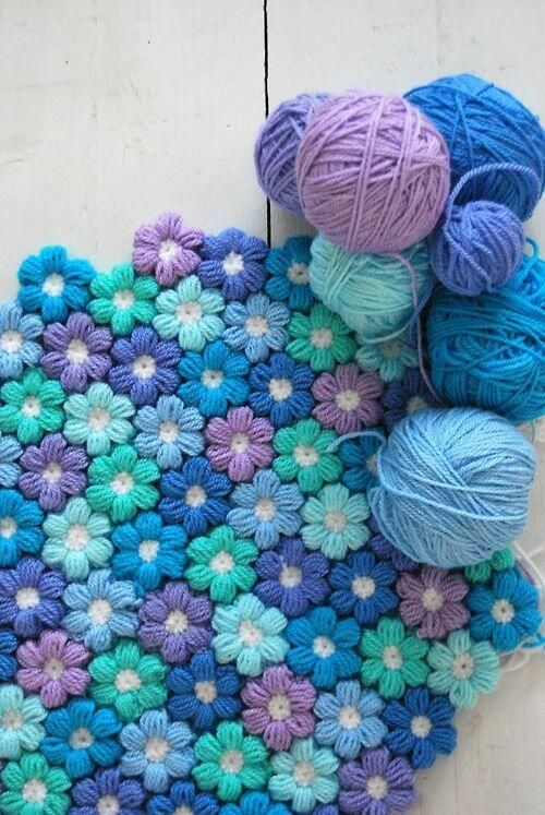 DIY Crochet 6 Petal Puff Stitch Flower Blanket Free Pattern (Video)