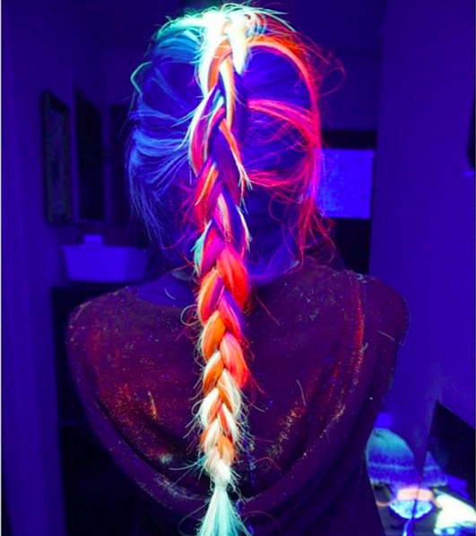 Glow in the Dark Hair Is Getting Too Hot to Stay In Style-DIY Glow In The Dark Hair Dye