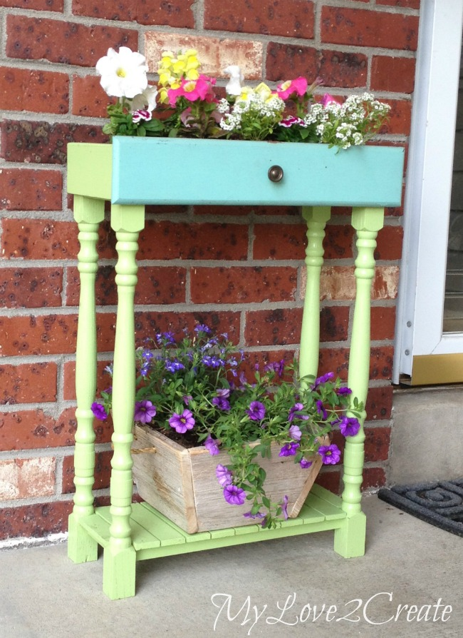 15 Creative Ways to Recycle Your Old Dresser Drawers-Drawers into Porch Planters