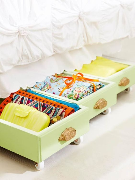 15 Creative Ways to Recycle Your Old Dresser Drawers-Under The Bed Storage