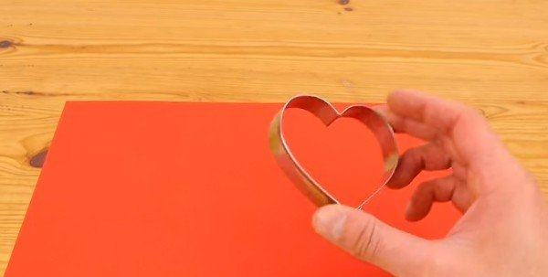 DIY Paper 3D Hearts Easy Valentine Crafts