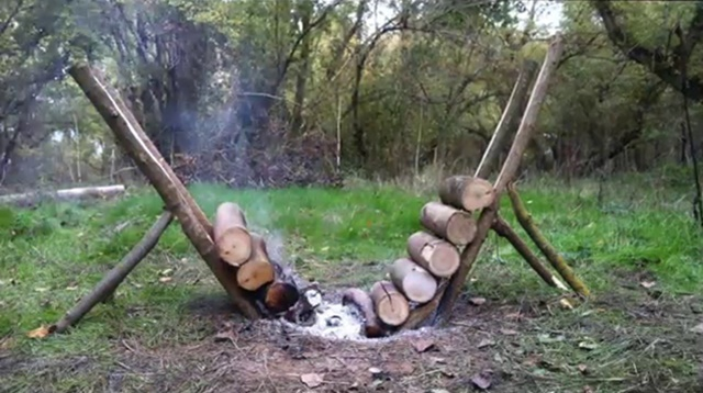 How to Build Self Feeding Fire That Lasts 14+ Hours