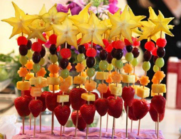 15 Fun Fruit Serving Ideas for Kids Party-DIY Fruit Wand Snack Tutorial