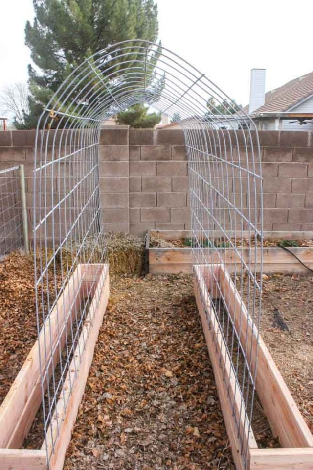 Easy Trellis Ideas Part - 44: DIY Trellis Raised Garden Box