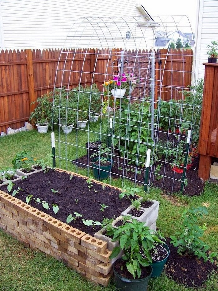 DIY Trellis Raised Garden Box