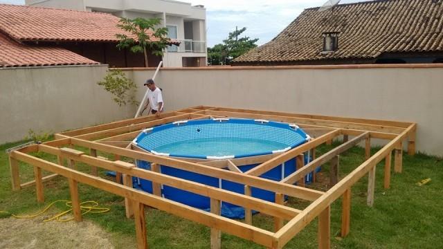 Деревянная площадка для каркасного бассейна своими руками