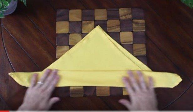 9 DIY Ways to Fold Decorative Holiday Napkins Tutorial+Video