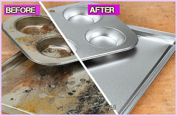Kitchen Cleaning Hacks to Clean Burnt Baking Sheet