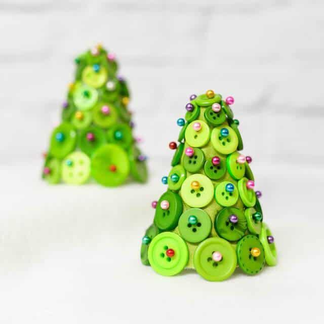 Kids Friendly Christmas Button Crafts Holiday Decorations DIY Ideas - mini button Christmas tree DIY Tutorial